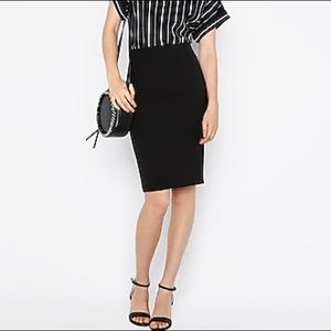 Max Mara • Pointe Skirt • Made in Italy in Black